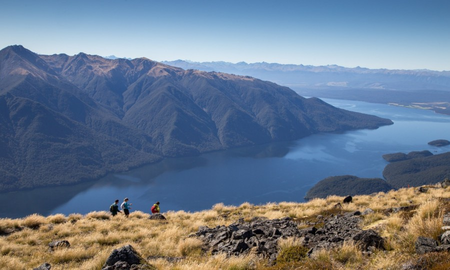 The big scenery of the Kepler Track makes us feel small
